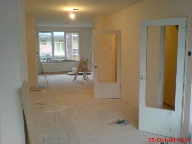 Grote woonkamer met open keuken nw plafonds nw deuren enz - Woonkamer met keuken geopend ...