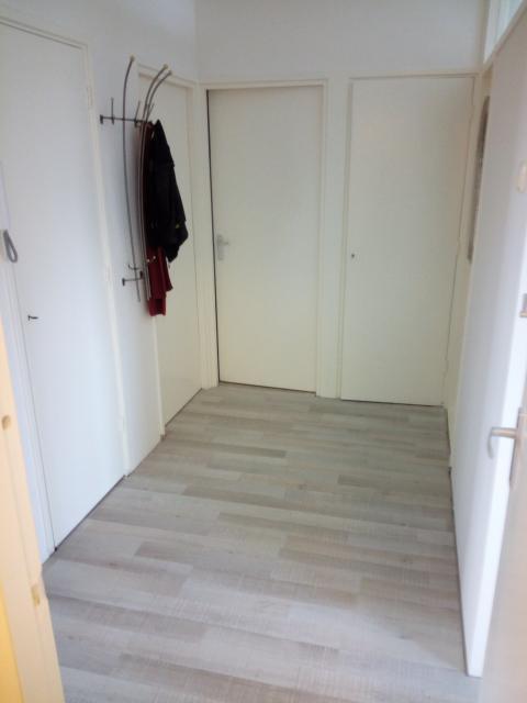 Deuren Voor Slaapkamer.De Hal Met De Deuren Naar De Meterkast Slaapkamer Bergkast